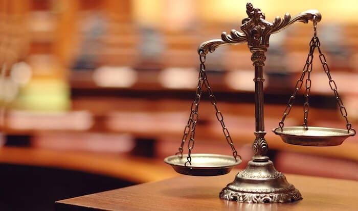 法律を表す天秤