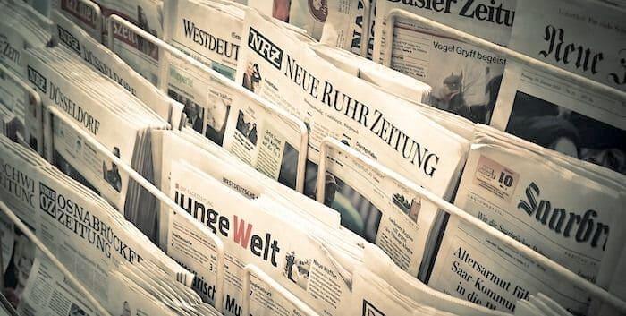 新聞、タブロイド紙
