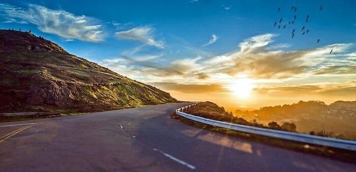 道路開業に関する記念日
