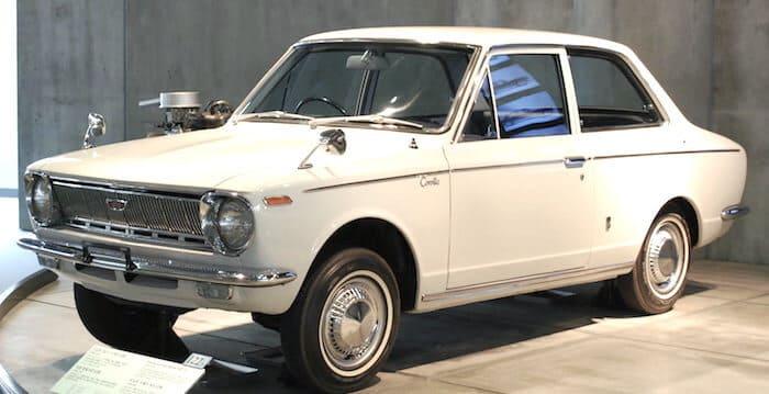 トヨタ・カローラ